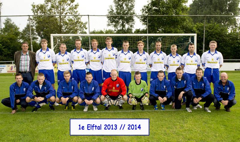 1e elftal foto 2013